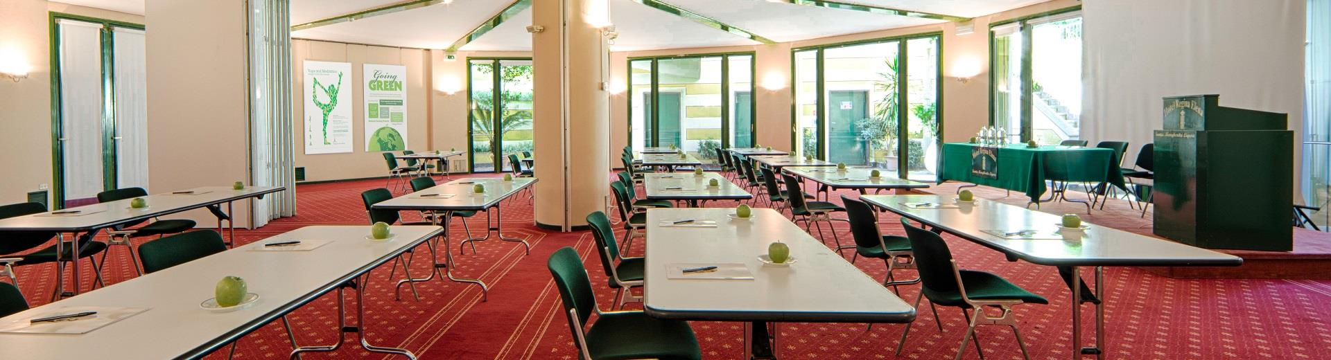 Book the meeting rooms of the best Western Hotel Regina Elena by the sea for your Congress!