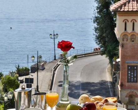 Enjoy breakfast overlooking the Gulf in your hotel in Santa Margherita Ligure
